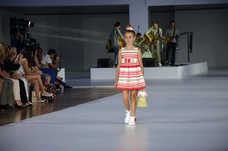 080 Barcelona Fashion_Desfile de Condor_moda verano 2014_Blogmodabebe