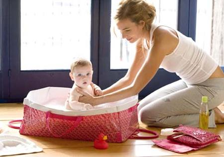 Bañera de viaje para bebés de Tuc Tuc