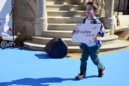 Petit Style Walking Cybex by Jeremy Scott pasarela de moda infantil