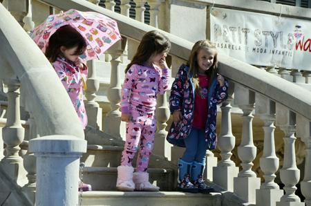 Petit Style Walking Hatley moda infantil