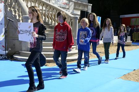 Petit Style Walking desfile MillionX moda infantil