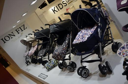 Puericultura Madrid 2013-Stand Baby Essentials-Blogmodabebe con sillas para bebes de Ion Fiz y Timie Leslie