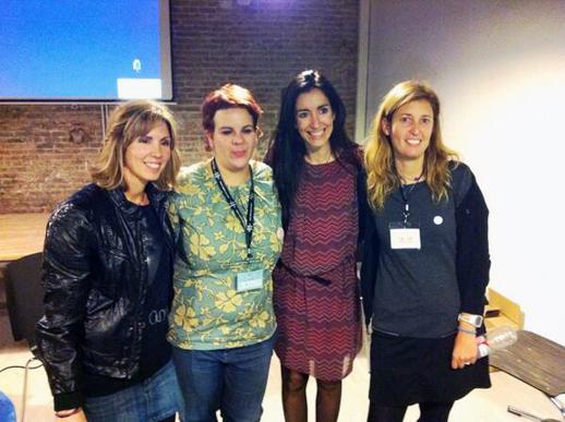 Mesa de emprendedoras Bloggers & Family 2013 con MamaConvergente Offemily y Salirenfamilia