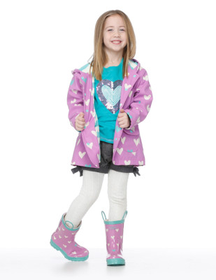 Moda infantil Hatley cubasquero paraguas y botas a juego_Blogmodabebe7