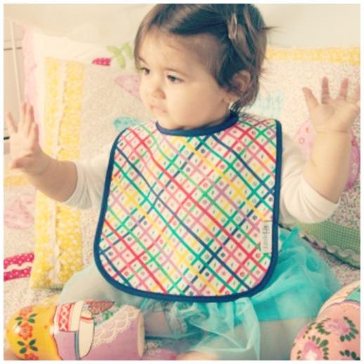 Baberos de LittleLia complementos handmade para bebes de Beth Rodergas 3