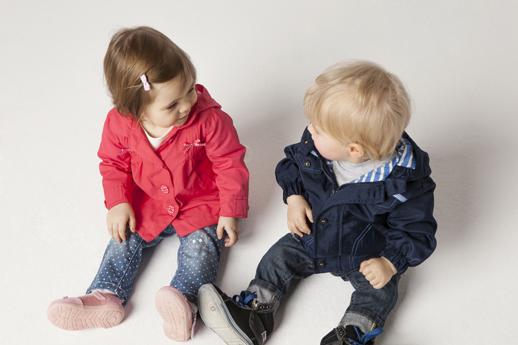 grandes variedades brillo de color zapatos deportivos Moda infantil C&A, precio y calidad en complementos y moda ...