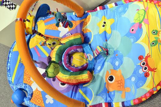 Juguetes para bebes Lamaze-novedades Tomy-Feria Nuremberg-Blogmodabebe9
