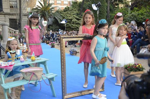 Moda infantil Petit Style Walking Little Star