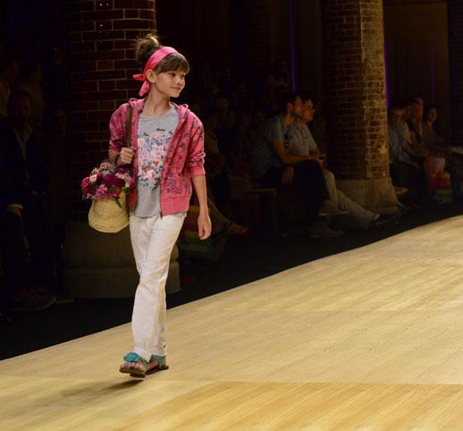 Desfile de Bóboli moda infantil en la 080 Barcelona Fashion pasarela de moda verano 2015-11