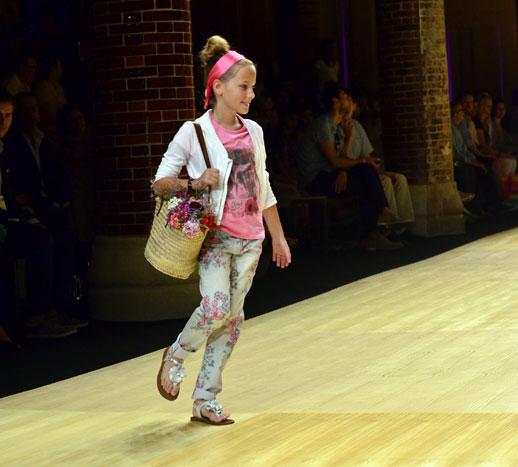 Desfile de Bóboli moda infantil en la 080 Barcelona Fashion pasarela de moda verano 2015-13