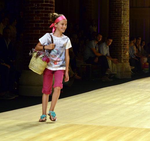 Desfile de Bóboli moda infantil en la 080 Barcelona Fashion pasarela de moda verano 2015-14