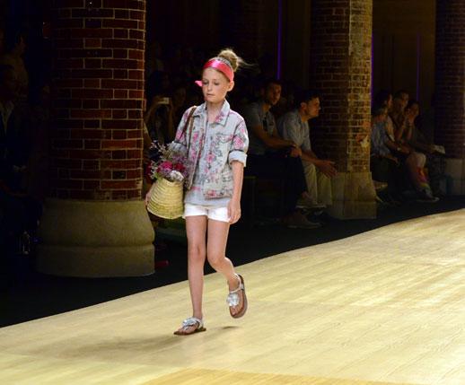 Desfile de Bóboli moda infantil en la 080 Barcelona Fashion pasarela de moda verano 2015-15