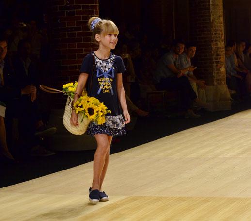 Desfile de Bóboli moda infantil en la 080 Barcelona Fashion pasarela de moda verano 2015-3