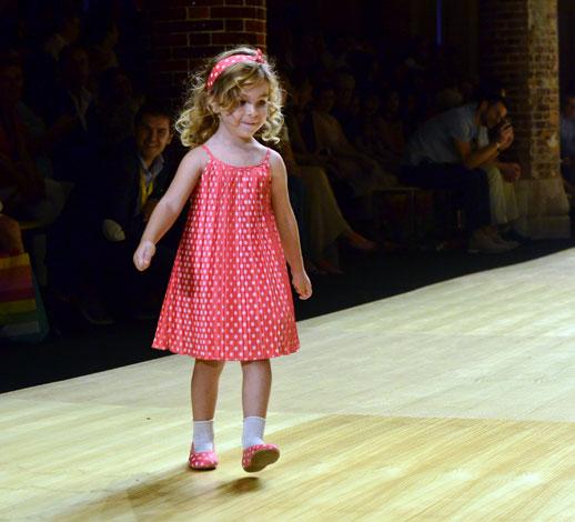 Desfile de Cóndor moda infantil en la 080 Barcelona Fashion pasarela de moda verano 2015-4