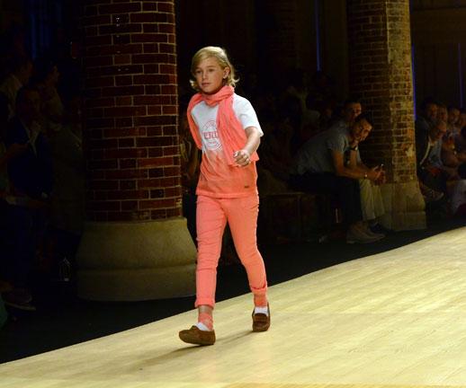 Desfile de Cóndor moda infantil en la 080 Barcelona Fashion pasarela de moda verano 2015-5