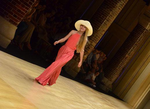 Desfile de Cóndor moda infantil en la 080 Barcelona Fashion pasarela de moda verano 2015-7
