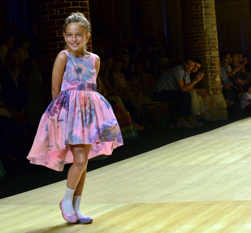 Desfile de Cóndor moda infantil en la 080 Barcelona Fashion pasarela de moda verano 2015-9