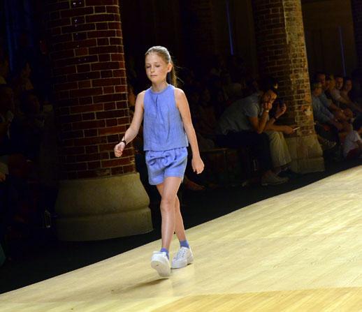 Desfile de Cóndor moda infantil en la 080 Barcelona Fashion pasarela de moda verano 2015_2