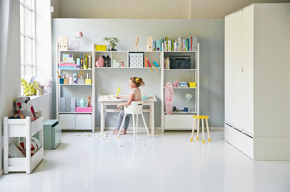 Estanteras y mobiliario para la habitacin de los nios de Flexa