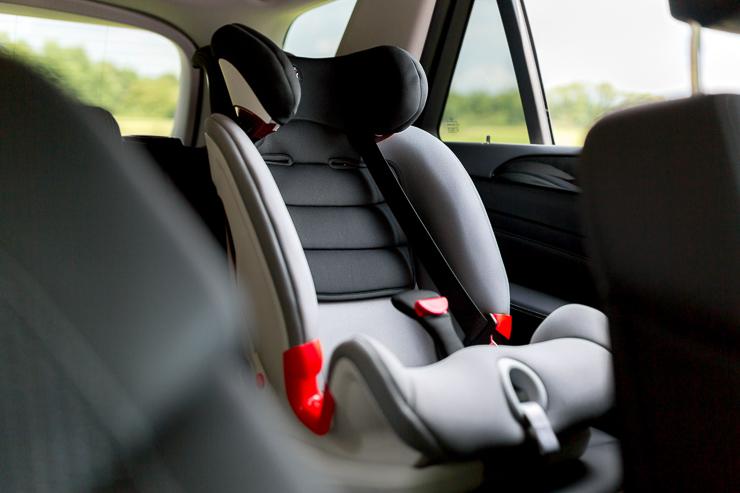 AdvansafixIISICT-sillas-de-coche-seguras-el-cuarto-punto-de-anclaje-secureguard-britax-romer-blogmodabebe-3