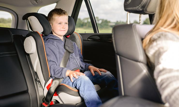 sillas-de-coche-seguras-el-cuarto-punto-de-anclaje-secureguard-britax-romer-blogmodabebe-5