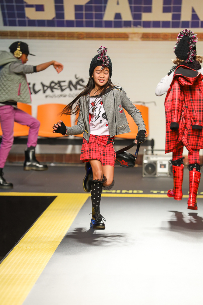 tuctuc-desfile-childrens-fashion-from-spain-en-pitti-bimbo-Blogmodabebe