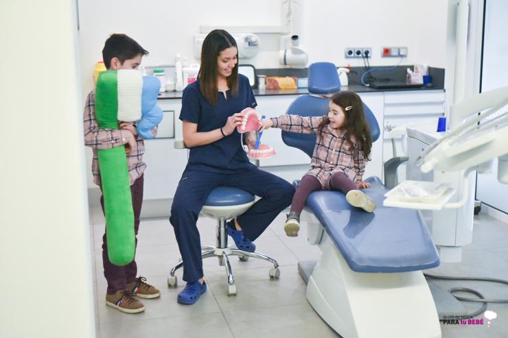 cuidamos-la-salud-dental-de-los-peques-en-abaden-dentistas-22