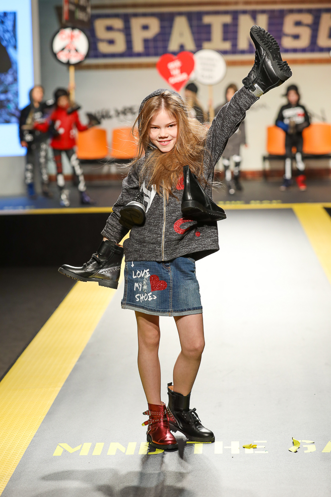 clic-shoes-desfile-childrens-fashion-from-spain-en-pitti-bimbo-Blogmodabebe-3